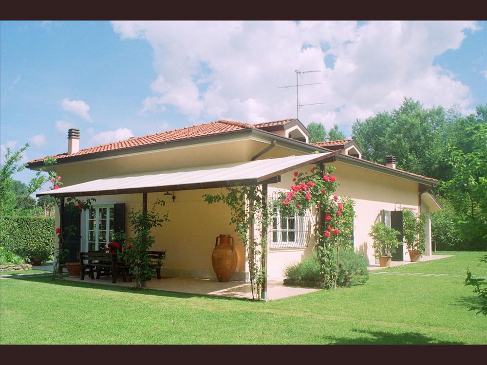 Villa in  Vendita Poveromo