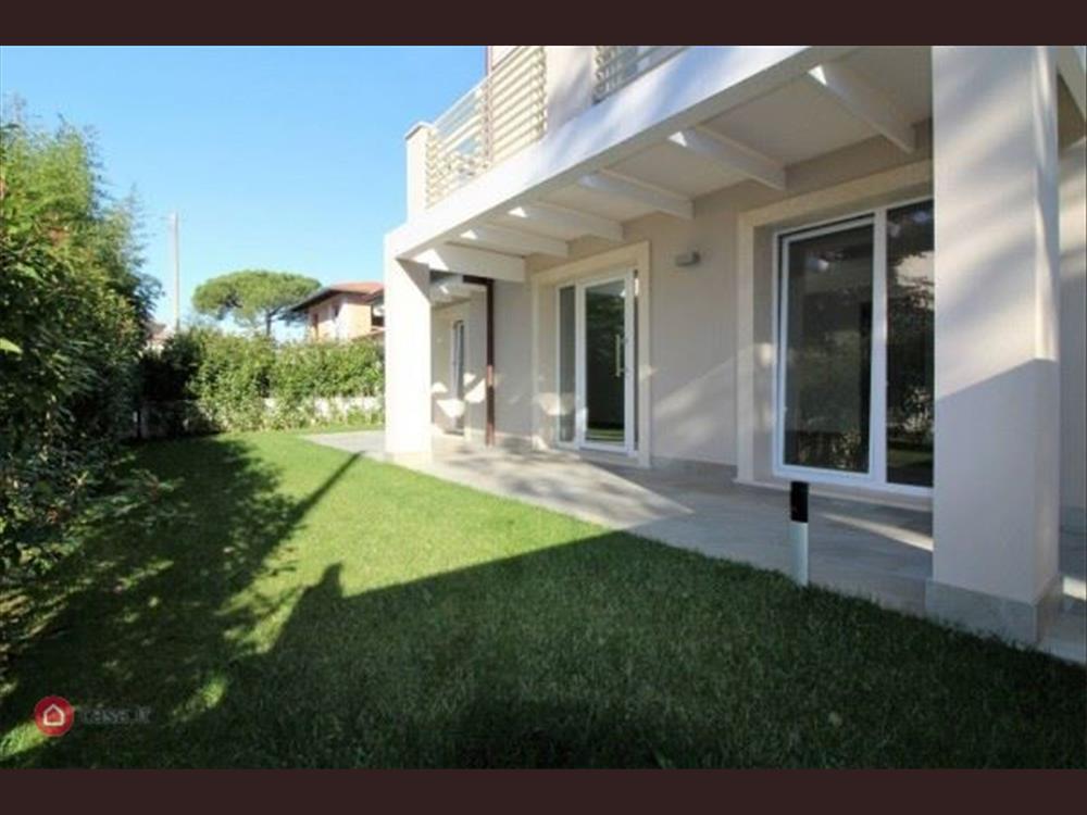 Villa Singola in  Vendita Cinquale codice: V023