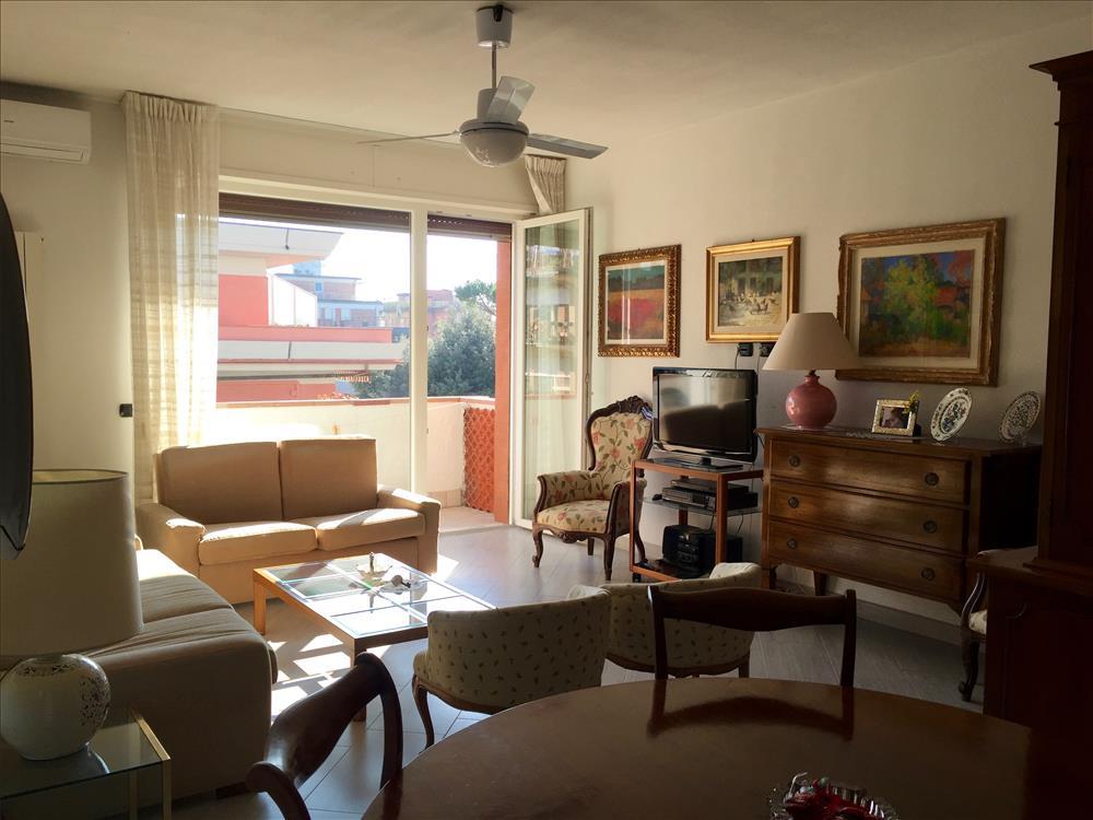 Appartamento in  Vendita Marina Di Massa codice: V100