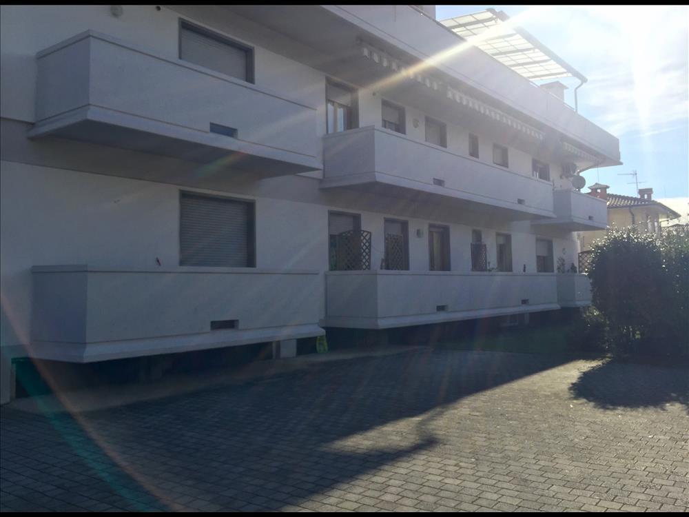 Appartamento in  Vendita Marina Di Massa codice: V102